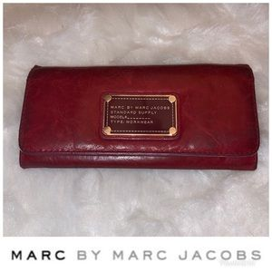 ⭐️Marc By Marc Jacobs Wallet⭐️
